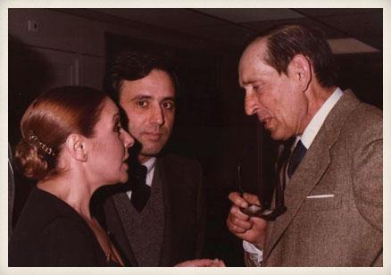 Miguel Delibes, la actriz Lola Herrera y el productor José Sámano. Primera representación de Cinco horas con Mario.