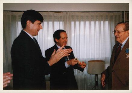 Foto-32-medalla-merito-al-trabajo-Manuel-Pimenel.-J